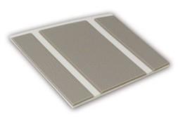 Kleurstaal van een Micostep® kunststof trapmat – gebroken wit – warm taupe
