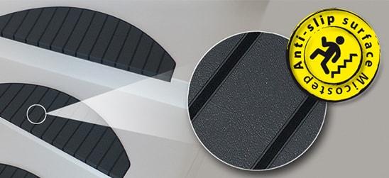 Trapmatten en trapmaantjes van Micostep® beschikken over een anti-slip laag