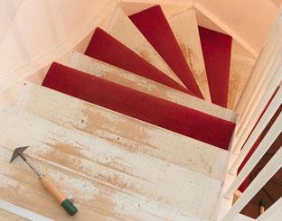 Trapmatten en trapmaantjes lijmresten verwijderen